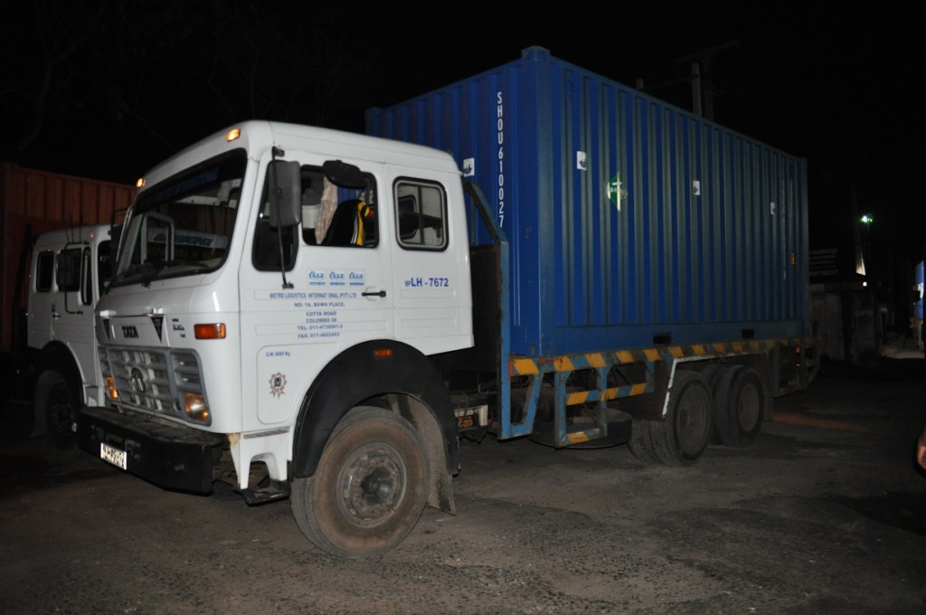 The container, loaded on a truck, leaves Colombo at almost midnight. Photo by Orkan Köyaĝasıoĝlu.