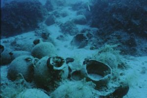 Diver hovering over amphora pile (Photo: INA) Slide # TEK-032. REF679