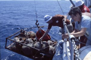 Raising amphoras to the deck of the Virazon (Photo: INA) Slide # YA7-717. REF754