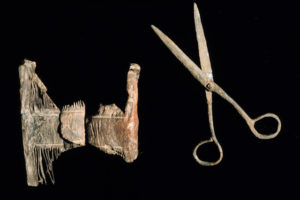 Personal gear carried onboard the ship included this wooden comb and scissors. (Photo: INA, Slide# GW-2720). REF4383