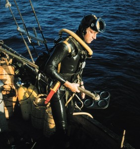 Claude Duthuit prepares to dive at the Cape Gelidonya site during its first season.