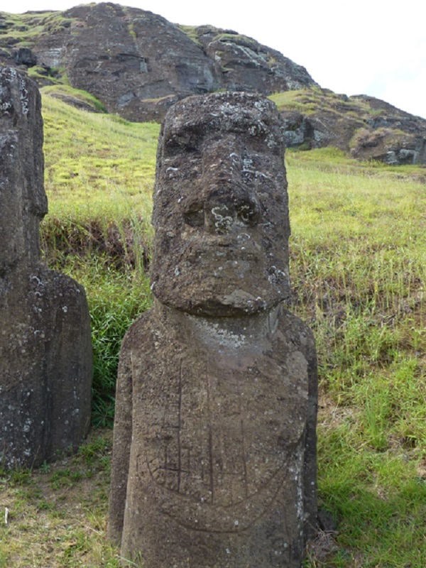 3_Masted_Ship_Graffito_On_Moai