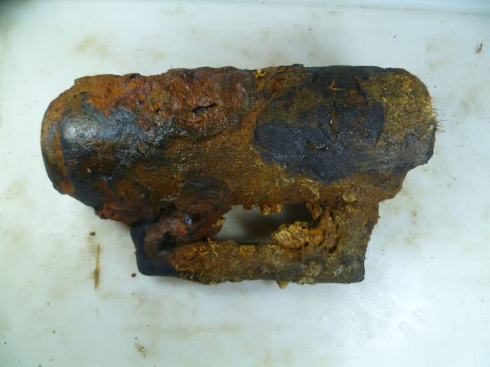 Bronze Breech Block before conservation (Photo: V. Folgueira).